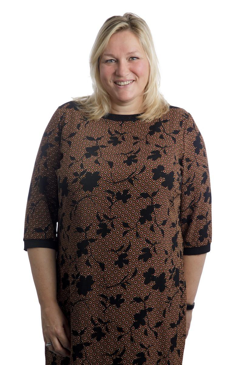 Esther Oostveen